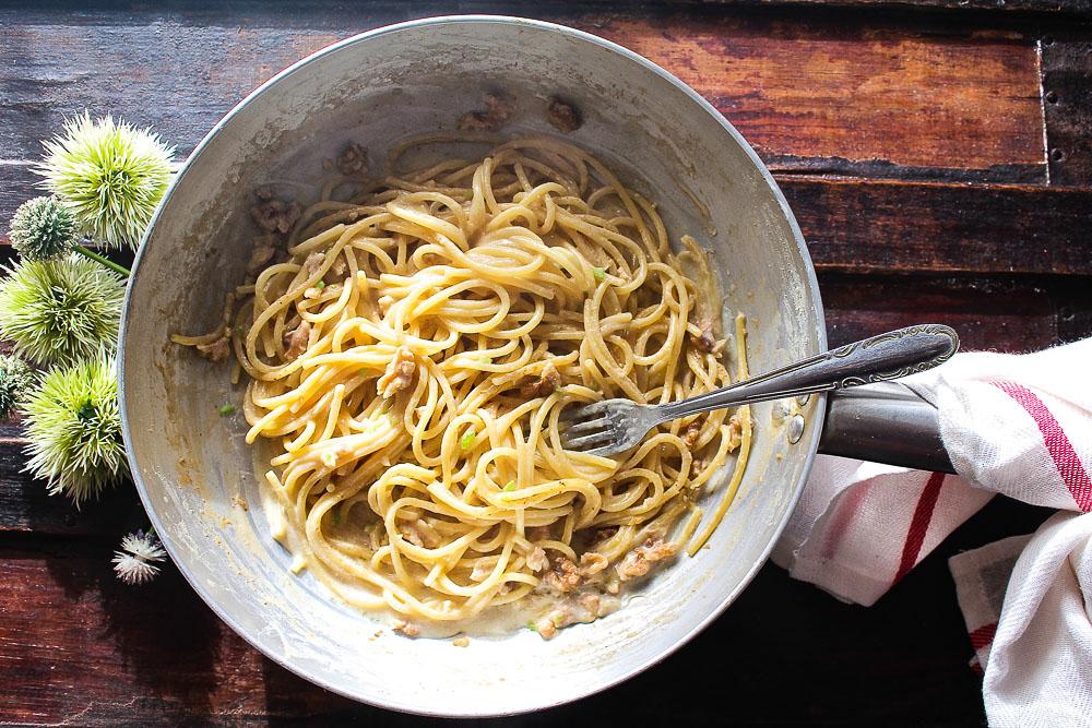 spaghettone ricotta e noci