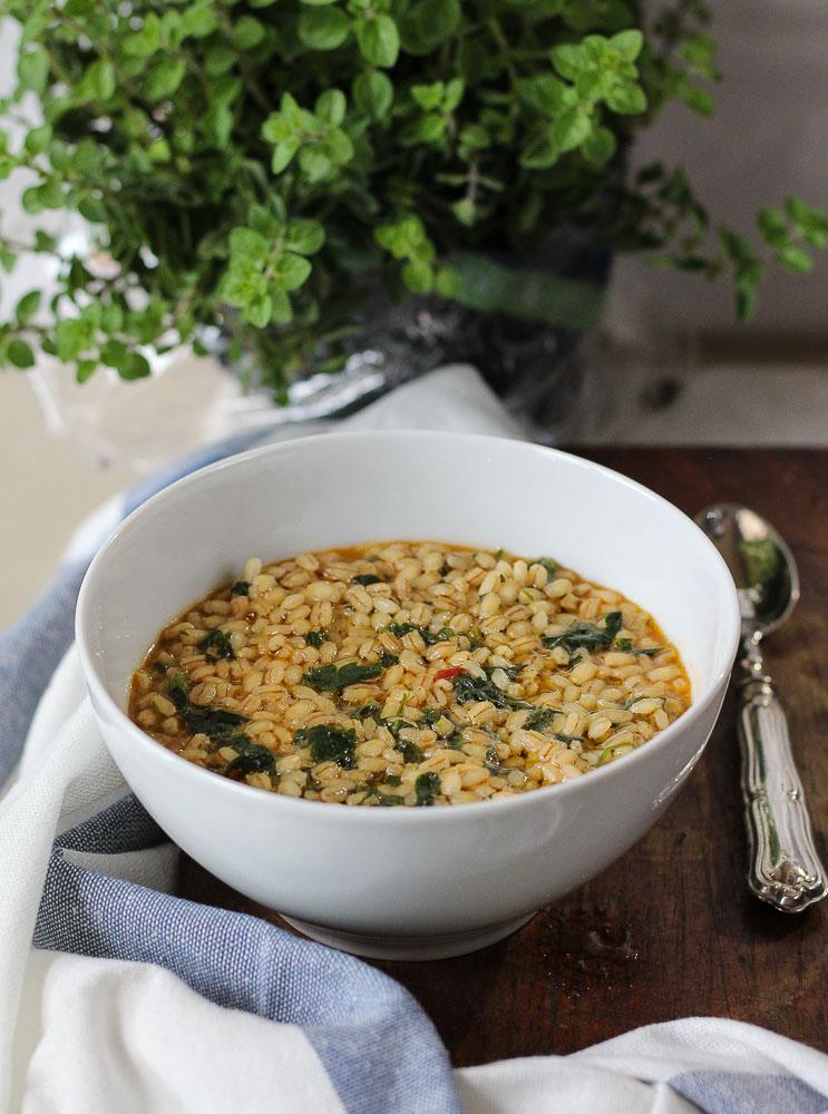 zuppa di orzo e spinaci