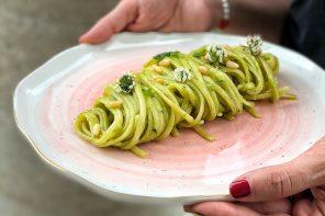Linguinecon Zucchine e Pinoli tostati