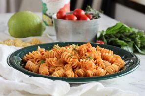 Come ti risolvo il pranzo: Fusillotti con pesto di Pomodorini arrosto