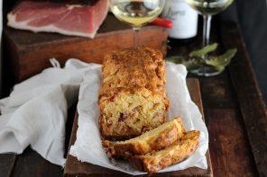 Plum Cake salato con Speck e Formaggio Alto Adige